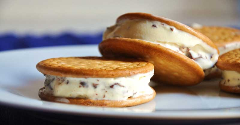 sandwich-de-helado-y-galleta