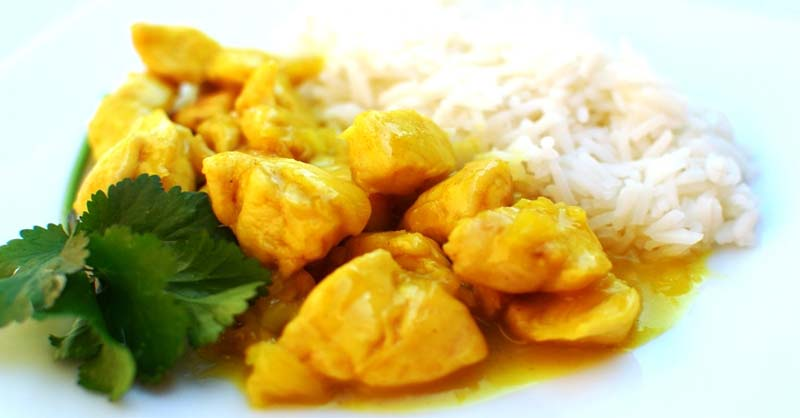 Pollo con curry